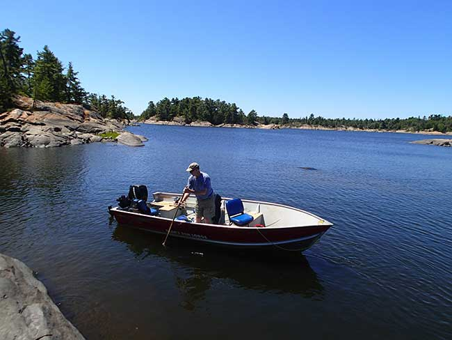 Boats and Motors - Bear's Den Lodge - Fishing French River