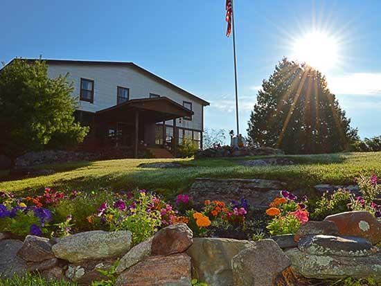 Bear's Den Lodge French River Resort