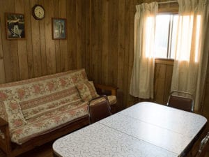 French River lodge accommodations Bear's Den Lodge cottage
